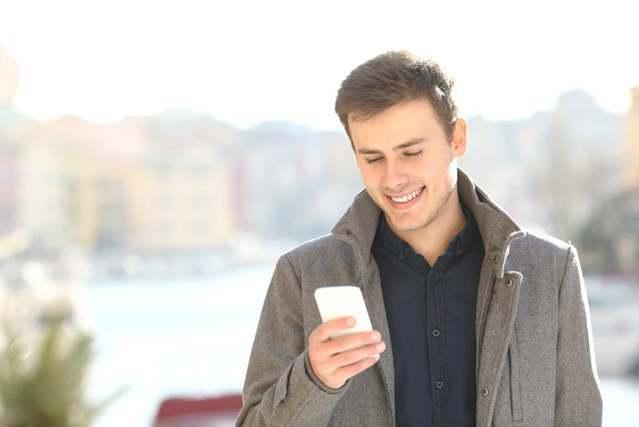 マッチング アプリ メッセージ 送る コツ 男性 から 女性 送る 場合